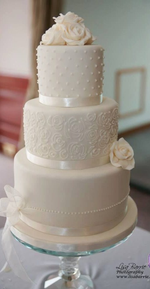 white wedding cake designs wedding cakes edinburgh bespoke designs for your wedding day 27343